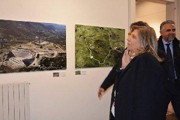 https://www.ragusanews.com//immagini_articoli/12-01-2019/1547305936-tusa-foto-aeree-nifosi-specchio-sicilia-inedita-1-240.jpg