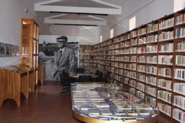 https://www.ragusanews.com//immagini_articoli/12-01-2019/poesia-siciliana-comiso-500.jpg