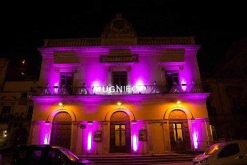 https://www.ragusanews.com//immagini_articoli/12-01-2020/1578829437-mugnieco-e-la-sposa-spettacolo-teatrale-e-storia-matrimonio-in-sicilia-2-240.jpg