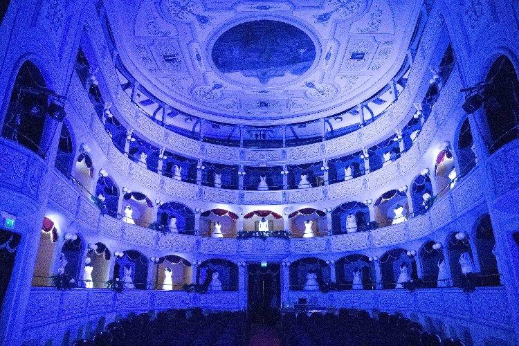 https://www.ragusanews.com//immagini_articoli/12-01-2020/1578829438-mugnieco-e-la-sposa-spettacolo-teatrale-e-storia-matrimonio-in-sicilia-3-500.jpg