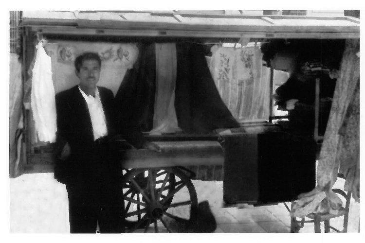 https://www.ragusanews.com//immagini_articoli/12-01-2020/mugnieco-e-la-sposa-spettacolo-teatrale-e-storia-matrimonio-in-sicilia-500.jpg