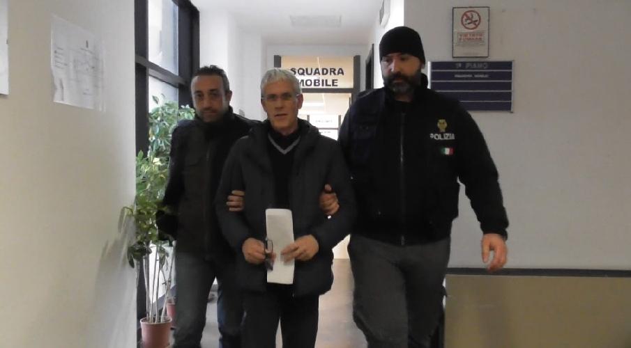 http://www.ragusanews.com//immagini_articoli/12-02-2016/arrestato-giombattista-ventura-500.jpg