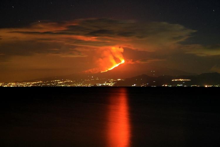 http://www.ragusanews.com//immagini_articoli/12-02-2016/terremoto-a-ragusa-esperto-spagnolo-figlio-di-un-pianeta-che-sta-male-500.jpg