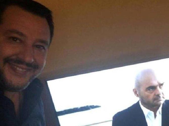 https://www.ragusanews.com//immagini_articoli/12-02-2019/salvini-ministro-polizia-montalbano-piace-assai-500.jpg