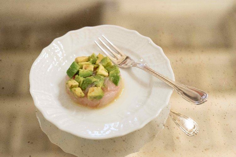 https://www.ragusanews.com//immagini_articoli/12-02-2020/1581506965-spaghetti-aglio-olio-di-chiaramonte-e-peperoncino-1-500.jpg