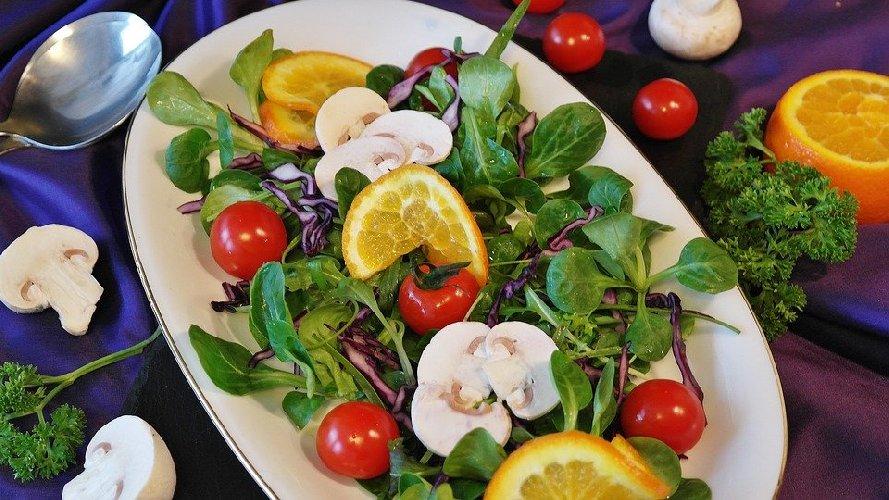 https://www.ragusanews.com//immagini_articoli/12-02-2020/insalate-quali-sono-le-piu-dietetiche-per-dimagrire-500.jpg