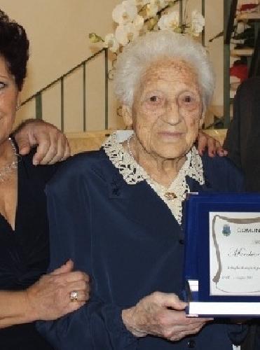 http://www.ragusanews.com//immagini_articoli/12-03-2014/e-morta-a-102-anni-valentina-marchionni-500.jpg