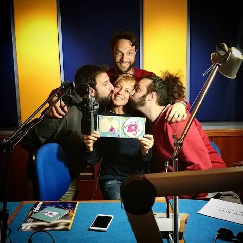 http://www.ragusanews.com//immagini_articoli/12-03-2017/baciamolemani-radio-audio-500.jpg