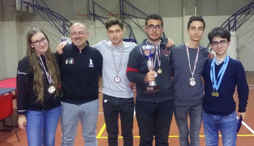https://www.ragusanews.com//immagini_articoli/12-03-2018/campionati-giovanili-scacchi-ragusa-500.jpg