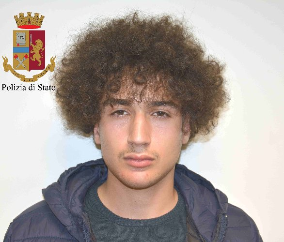 https://www.ragusanews.com//immagini_articoli/12-03-2019/arrestati-corrieri-droga-albanesi-avevano-chilo-coca-500.jpg