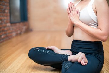 https://www.ragusanews.com//immagini_articoli/12-03-2019/benefici-yoga-240.jpg