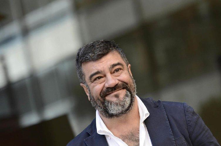 https://www.ragusanews.com//immagini_articoli/12-03-2019/francesco-pannofino-teatro-comiso-500.jpg