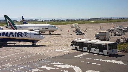 https://www.ragusanews.com//immagini_articoli/12-03-2019/traffico-catania-comiso-mila-passeggeri-giorno-240.jpg