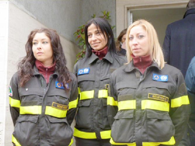 http://www.ragusanews.com//immagini_articoli/12-04-2014/vigili-del-fuoco-discontinui-se-ne-parla-a-vittoria-500.jpg