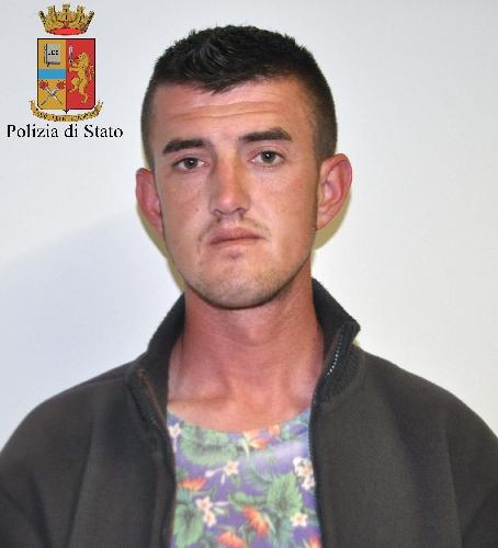 http://www.ragusanews.com//immagini_articoli/12-04-2016/l-albanese-che-si-faceva-chiamare-puglisi-500.jpg