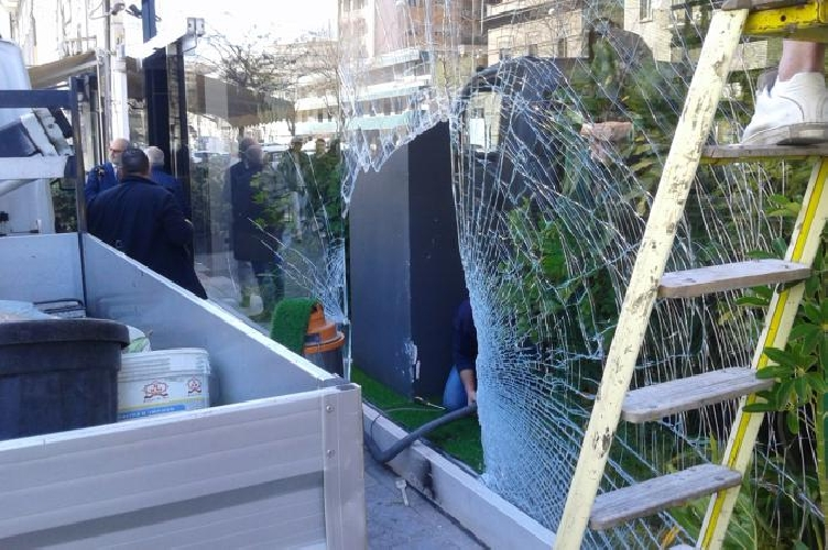 http://www.ragusanews.com//immagini_articoli/12-04-2017/catania-arrestata-banda-spaccate-500.jpg