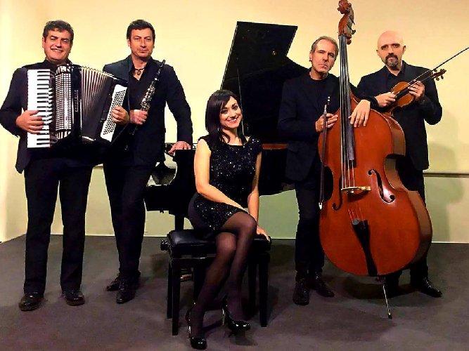 https://www.ragusanews.com//immagini_articoli/12-04-2018/ragusa-tango-astor-piazzolla-teatro-donnafugata-500.jpg