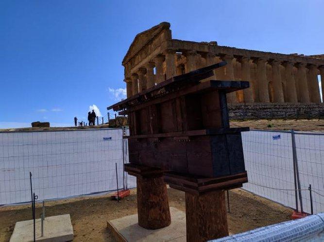 https://www.ragusanews.com//immagini_articoli/12-04-2019/valle-dei-templi-in-mostra-le-tecniche-di-costruzione-dei-greci-foto-500.jpg