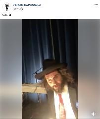 https://www.ragusanews.com//immagini_articoli/12-04-2020/capossela-omaggia-il-gioia.-video-240.jpg