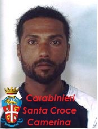 https://www.ragusanews.com//immagini_articoli/12-05-2014/tunisino-molesta-passanti-e-carabinieri-arrestato-500.jpg