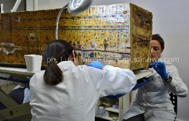 http://www.ragusanews.com//immagini_articoli/12-05-2017/sarcofagi-egizi-siracusa-scoperta-straordinaria-240.jpg