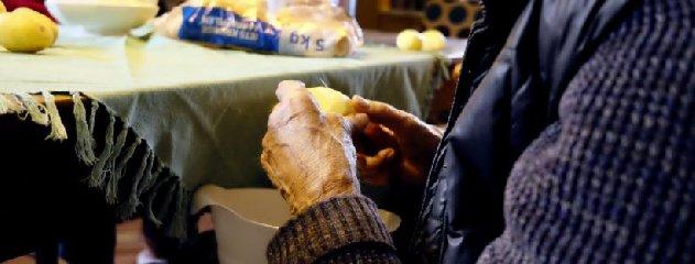 https://www.ragusanews.com//immagini_articoli/12-05-2019/la-dieta-che-aiuta-a-combattere-lartrosi-240.jpg