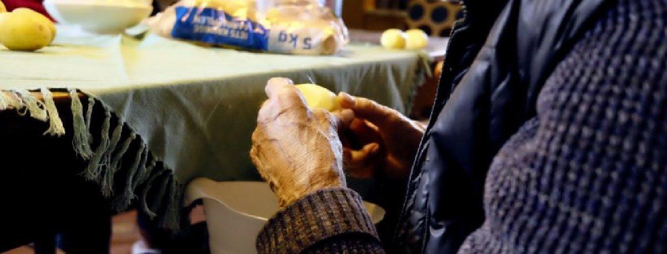 https://www.ragusanews.com//immagini_articoli/12-05-2019/la-dieta-che-aiuta-a-combattere-lartrosi-500.jpg