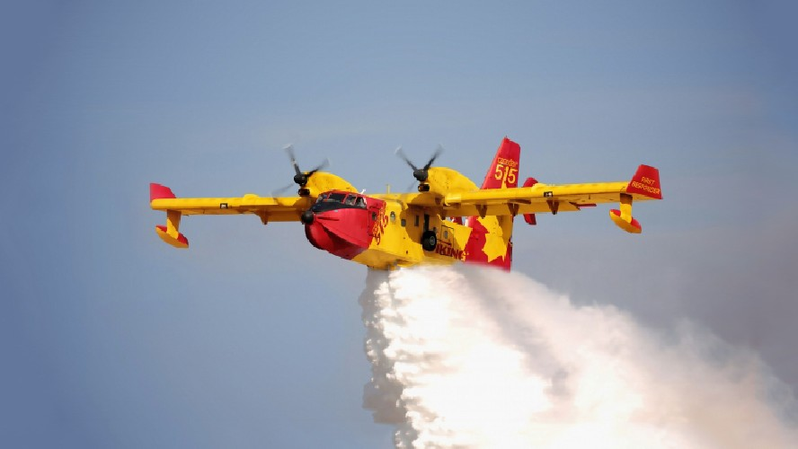 https://www.ragusanews.com//immagini_articoli/12-05-2021/incendi-nel-ragusano-in-azione-due-canadair-500.jpg