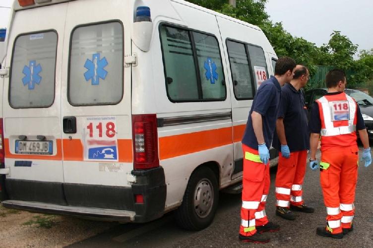 http://www.ragusanews.com//immagini_articoli/12-06-2014/operatore-118-faceva-la-cresta-sulla-benzina-dellambulanza-500.jpg