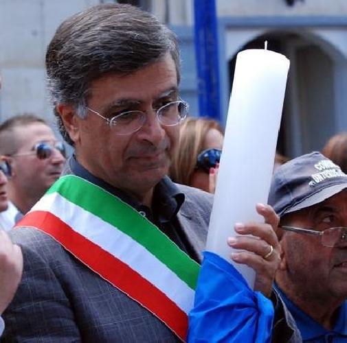 https://www.ragusanews.com//immagini_articoli/12-06-2017/giaquinta-confermato-sindaco-giarratana-500.jpg