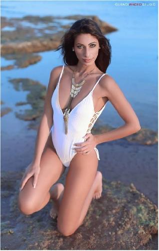 http://www.ragusanews.com//immagini_articoli/12-06-2017/ornella-rosa-seconda-miss-mondo-vinto-conny-notarstefano-500.jpg
