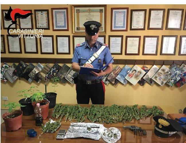 https://www.ragusanews.com//immagini_articoli/12-06-2019/acate-aveva-unarma-clandestina-droga-e-refurtiva-in-casa-500.jpg