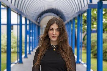 https://www.ragusanews.com//immagini_articoli/12-06-2019/marcella-studentessa-di-comiso-ricercatrice-a-milano-240.jpg
