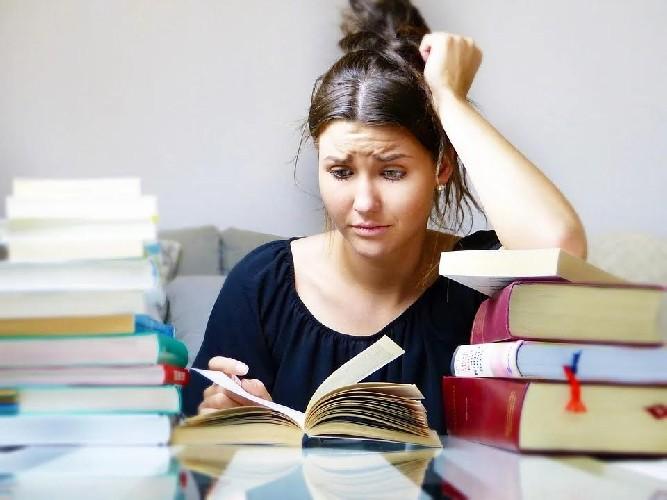 https://www.ragusanews.com//immagini_articoli/12-06-2020/cortisolo-l-ormone-dello-stress-come-abbassarlo-500.jpg