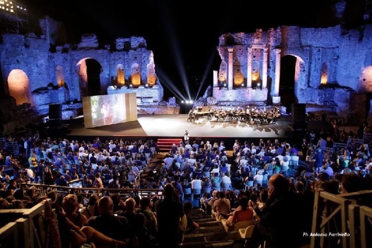https://www.ragusanews.com//immagini_articoli/12-06-2020/il-taormina-film-fest-dall-11-luglio-500.jpg