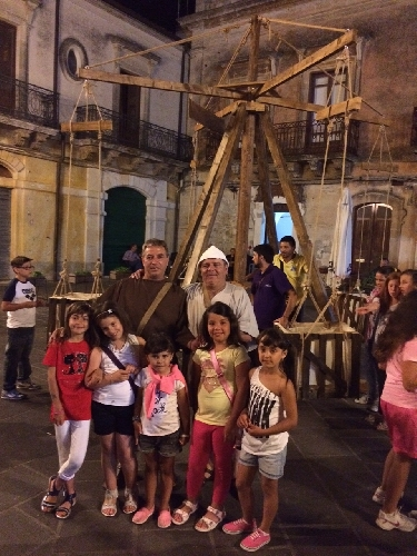 https://www.ragusanews.com//immagini_articoli/12-07-2015/giostra-medievale-a-monterosso-500.jpg