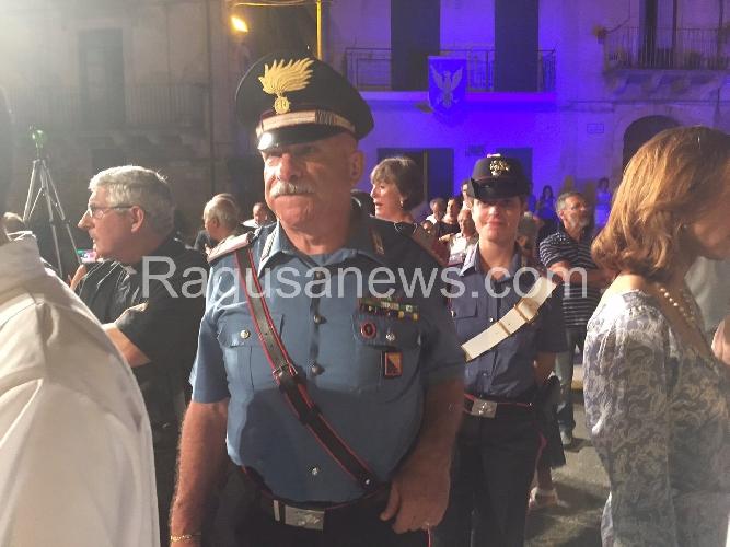 http://www.ragusanews.com//immagini_articoli/12-07-2015/nel-giorno-della-madonna-con-la-spada-il-primo-carabiniere-donna-500.jpg