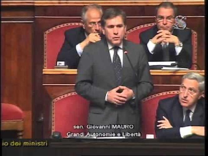 http://www.ragusanews.com//immagini_articoli/12-07-2017/senatore-mauro-mezzogiorno-dimenticato-500.jpg
