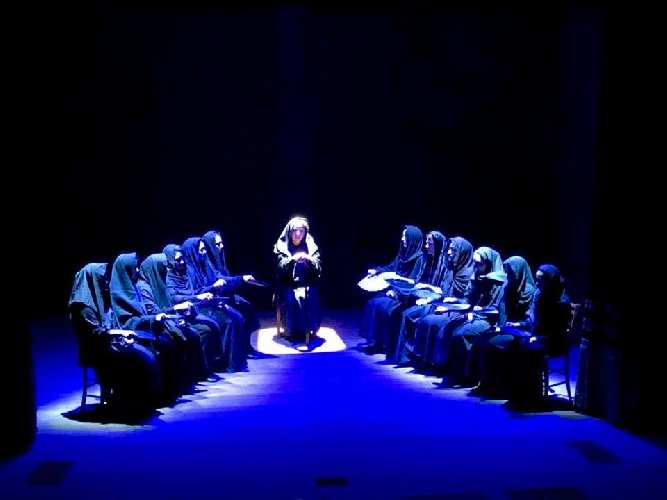 https://www.ragusanews.com//immagini_articoli/12-07-2018/scicli-mini-rassegna-teatrale-chiostro-convento-carmine-500.jpg