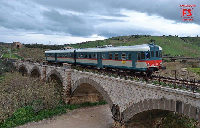 https://www.ragusanews.com//immagini_articoli/12-07-2018/sicilia-arrivano-treni-storici-gusto-500.jpg