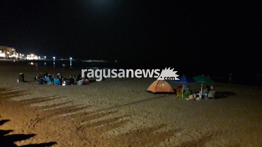 http://www.ragusanews.com//immagini_articoli/12-08-2017/ferragosto-niente-bivacchi-spiaggia-marina-500.jpg