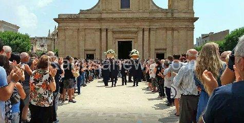 https://www.ragusanews.com//immagini_articoli/12-08-2018/1534071053-ciao-francesco-ciao-mirko-1-240.jpg