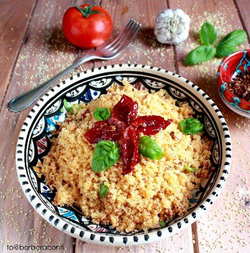 https://www.ragusanews.com//immagini_articoli/12-08-2018/insalata-cous-cous-capuliato-mandorle-tostate-500.jpg