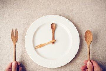 https://www.ragusanews.com//immagini_articoli/12-08-2019/la-dieta-digiuno-intermittente-240.jpg