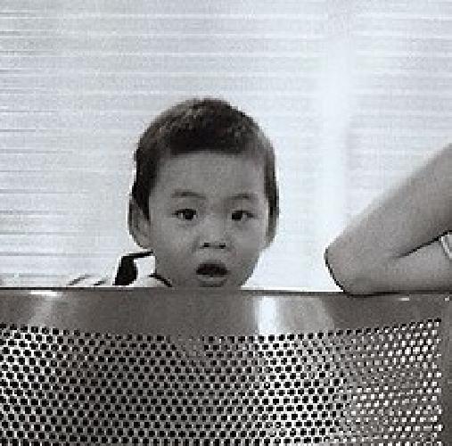 http://www.ragusanews.com//immagini_articoli/12-09-2011/il-porto-di-pozzallo-parlera-cinese-500.jpg
