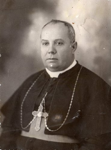 https://www.ragusanews.com//immagini_articoli/12-09-2019/ragusa-monsignor-giovanni-iacono-diventa-santo-500.jpg