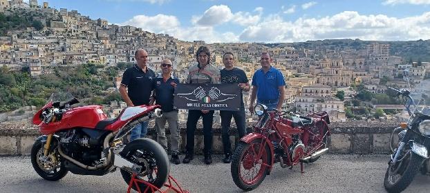 https://www.ragusanews.com//immagini_articoli/12-09-2021/1631457899-moto-guzzi-d-epoca-e-rare-per-le-strade-siciliane-1-280.jpg