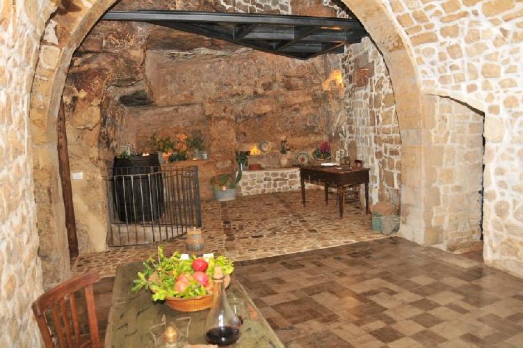 https://www.ragusanews.com//immagini_articoli/12-10-2014/casa-degli-avi-una-riflessione-sul-turismo-500.jpg