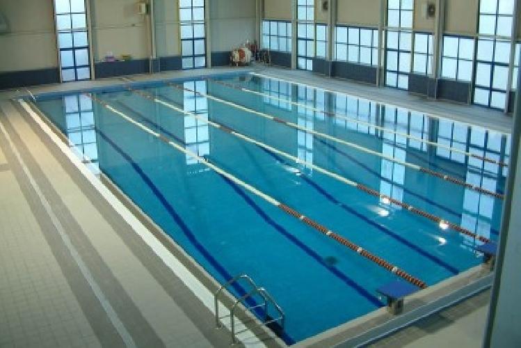 https://www.ragusanews.com//immagini_articoli/12-10-2015/la-piscina-del-busacca-e-l-esperienza-di-un-disabile-500.jpg