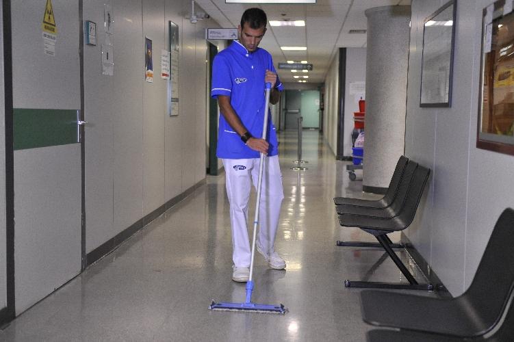 http://www.ragusanews.com//immagini_articoli/12-10-2017/bloccata-gara-pulizia-ospedali-ragusa-500.jpg
